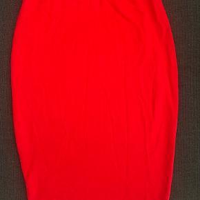 Amisu kjole eller nederdel