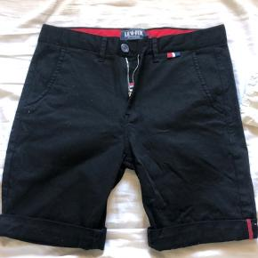 Lefix shorts - kun brugt få gange.  Str. 32  Byd