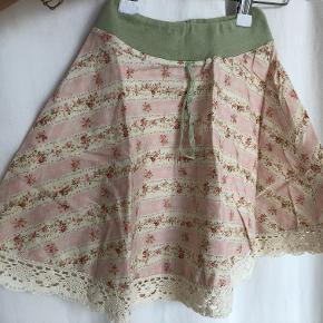 Smuk nederdel str 98
