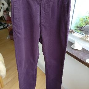 Wood wood bukser i en rigtig dejlig farve og i god condition. Mp 250