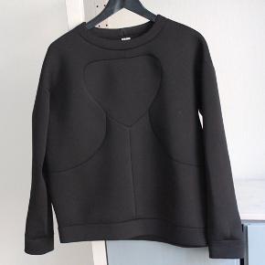 Super comfy sweater fra & Other Stories.  Kan afhentes på Christianshavn eller sendes.