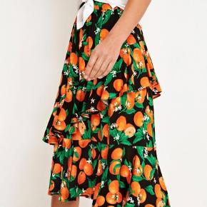 Sælger denne Envii nederdel str. M, brugt enkelte gange - fremstår som ny