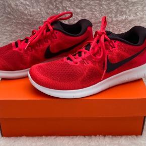 Helt nye Nike Free RN 2017 Lidt små i størrelsen - 25 cm. Bytter ikke med andet
