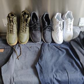 Samsøe & Samsøe skjorte - 200 (hænger ved siden af jakken)  Hugo Boss skjorter - 300 pr stk (alle skjorter er Hugo Boss) (Blå og grå solgt) YSL jakke - 1500 kr Lacoste bluse 400 kr Tommy Hilfiger bluser 400 pr stk Just junkies jeans - 250 kr Tommy Hilfiger chinos - 350 kr Polo Ralph Lauren chinos - 400 kr Nike støvle, oliven - 400 kr Adidas Bounce str 45 1/3 - 350 kr Nike sneakers hvide, 350 kr Hugo Boss trøjer - 350 pr stk (Hvid og blå solgt) Les Deux hættetrøje - 200 kr (solgt)  Samlet værdi (brugtpris) - 9550 kr Køb det hele samlet for latterlige 5500 kr Alt er ægte, det er selvskrevet!   Sælges på grund af stort vægttab
