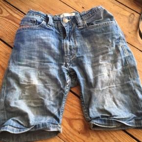 Diesel shorts str 140 - fast pris -køb 4 annoncer og den billigste er gratis - kan afhentes på Mimersgade 111 - sender gerne hvis du betaler Porto - mødes ikke andre steder - bytter ikke