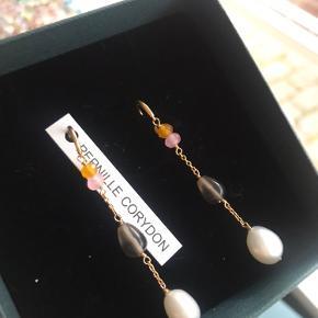 Helt nye øreringe fra Pernille Corydon, prøvet på én enkelt gang - ellers ikke brugt 🌸