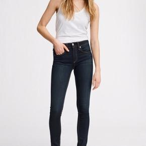 Varetype: Jeans Størrelse: 27 Farve: Bedford Alm. talje  Style: rag and bone jeans w1502k089bed