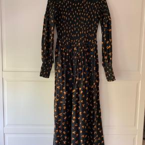 Super fin Ganni kjole. Brugt få gange.
