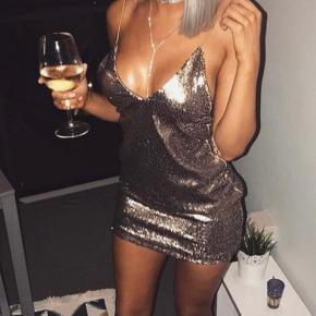 Meshki kjole