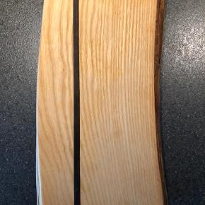 Håndlavet skærebræt sælges, da jeg har for mange og derfor aldrig har fået det brugt.