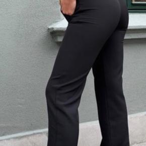 New Lilly bukser fra Venderbys i str. xs. Brugt nogle gange🌸