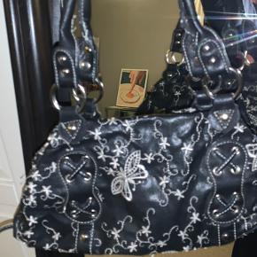 Sælger denne vintage taske med sommerfugl mønster🌸