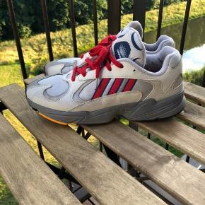 Adidas Yung-1  Sælger dem da jeg har købt dem for store.. de er gået med meget få gange