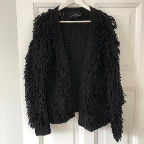 Den skønneste sweater/cardigan fra Designers Remix i str. small kun brugt få gange.