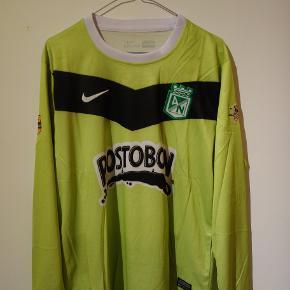 Atlético Nacional langærmet trøje. Købt i Colombia.
