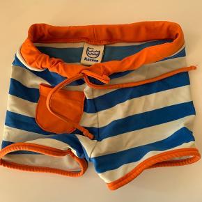 Katvig badetøj