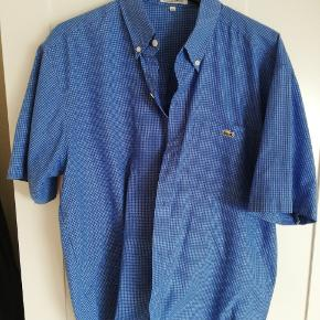 Vintage kortærmet lacoste skjorte i let bomuld
