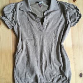 Burberry bluse/ polo.. brugt få gange Str S/M