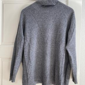 Club Collection sweater