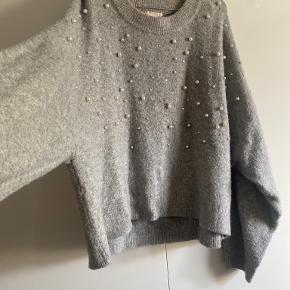 H&M sweater