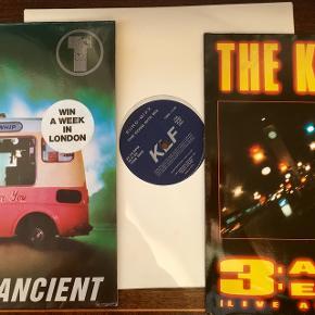 Klf på vinyl lp plade 3 maxier med KLF super stand Den hvide meget sjælden