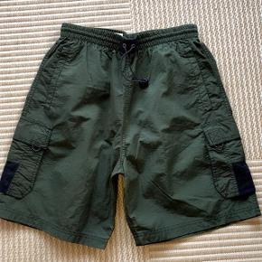 No boundaries armygrønne shorts str S. Net indvendig . To lommer . Livvidde 80 cm