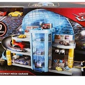 GRATIS FRAGT I FEBRUAR. Disney Pixar cars garage inklusiv 2 biler. Mange spændende legemuligheder. Ny og uåbnet kasse. Kan sendes for 59 kr.