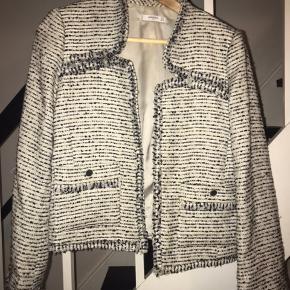 Flot Mango suit blazer. Str. M Np. 600-700kr