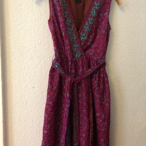 Anna Sui party dress 77%silk 23% nylon. Us size 2, eur xs-s. Made in Usa.