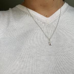 Maanesten halskæde med sten