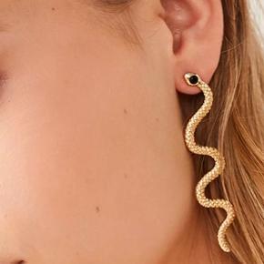 Sælger disse helt nye øreringe 🥳 Pris kun 80,- inkl fragt ❤️
