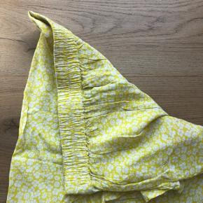 Nederdel med elastik bagved - brugt et par gange sidste sommer