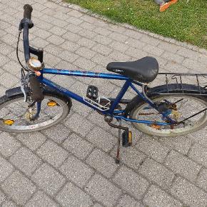 Fin drenge cykel, trænger til en kærlig hånd men kører ellers rigtig fint