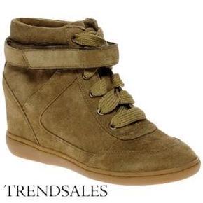 Varetype: de eftertrgtede netz med hidden wedge Farve: brun/grå Oprindelig købspris: 1100 kr.  sælger disse super fine sko, de er helt nye og udsolgt over alt. bytter ikke