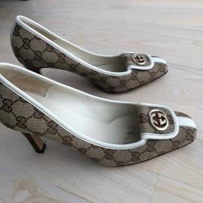 Skønne Gucci sko sælges pga jeg har fået for store fødder. Brugt 3 gange, har kun synlig slid under sålen. Købt i München.
