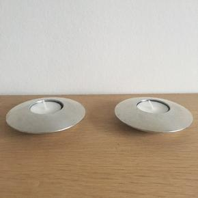 2 stk. sjældne lysestager fra Royal Copenhagen.  Mål: - 10 cm - 1,5 cm høj