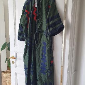 Ancient Greek Sandals kimono
