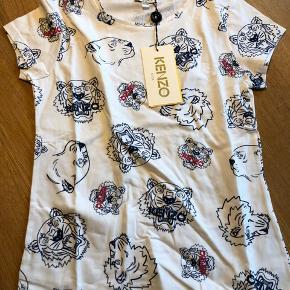 Den lækreste t-shirt perfelkt her forår og sommer cool og fin på samme tid:)