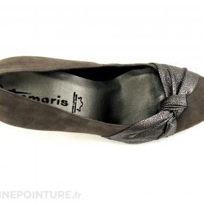sælger 1 par helt nye Tamaris heels i skind. Hælen måler 8,5 cm bagpå. Helt nye i æske.