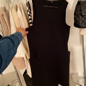 COS kjole str m med lommer i siden