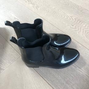 Nye gummistøvler - brugt 1 gang, købt for små.