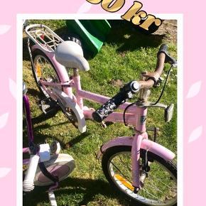 Brugt pigecykel. Sælges billigt pga rust. Men den fungere fint.
