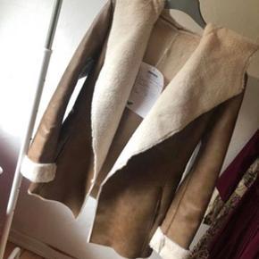Super flot jakke Med ægte læder og skind/pels