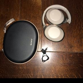 Sony høretelefoner.MDR 1000x Nypris: 2000