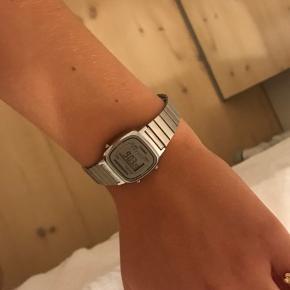 Mega fint ur i virkelig god stand
