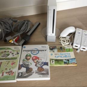 Wii sælges med 3 spil dertil Fejler intet - sælges kun da den ikke længere bruges :).