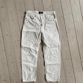 Sælger Wood Wood jeans i en størrelse 27. Jeg er 170 og de har en rigtig god ankel længde.