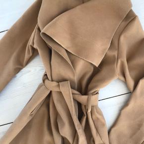 Nypris 350kr, meget lidt fnulret i stoffet! 💫 et lag, perfekt til foråret! Blød fleece-agtigt stof 💫