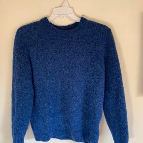 Rigtig lækker trøje fra ARKET lavet på alpaka uld