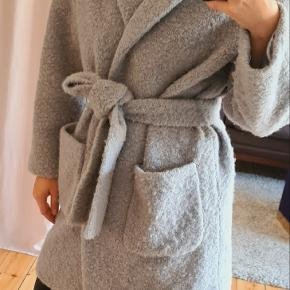 Ganni wool wrap coating i str M